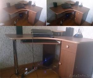ПРОДАМ компьютерный стол, аквариум (грунт, очиститель), одежду, сумка для бумаг. - Изображение #3, Объявление #1145144