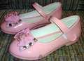 Новые туфли для девочки р-р 30-31.